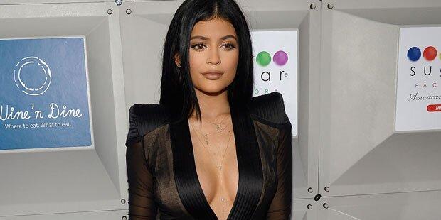 Das steckt hinter Kylies Brüsten