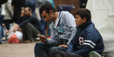 Jeder Flüchtling sollte vom Staat ein Smartphone bekommen