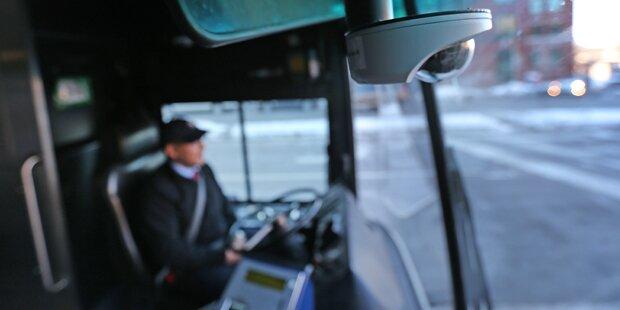 Busfahrer weigert sich Flüchtling mitzunehmen