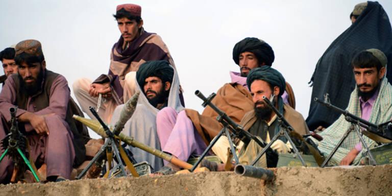 Taliban entführen mehr als 20 Reisende