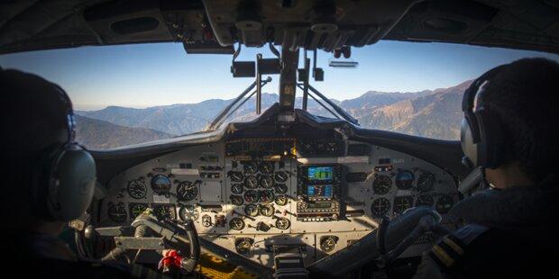 Copilot ausgefallen: Stewardess übernahm Cockpit-Platz