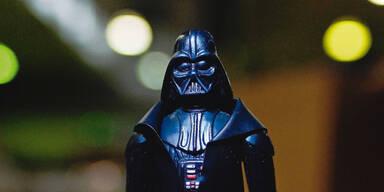 Barbie vor Hochzeit mit Darth Vader?