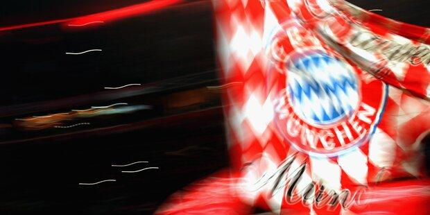 Bayern-Fans mit Wut-Transparenten in Klagenfurt