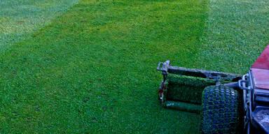 Drama: 13-Jähriger stirbt beim Rasenmähen