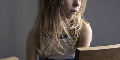 Mädchen (8) versteigert sich im Netz