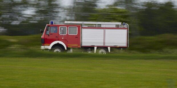 88-Jährige beim Kochen überfordert - Feuerwehr rückt aus