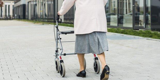 83-Jährige brachte Angreifer mit Rollator zu Fall