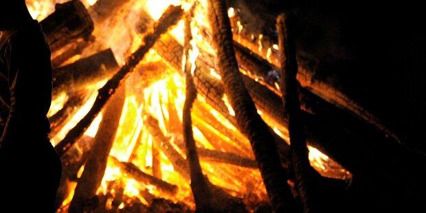 Frau bei Teufelsaustreibung schwer verbrannt