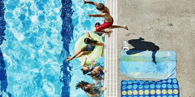 Sommer Freibad Schwimmen Baden