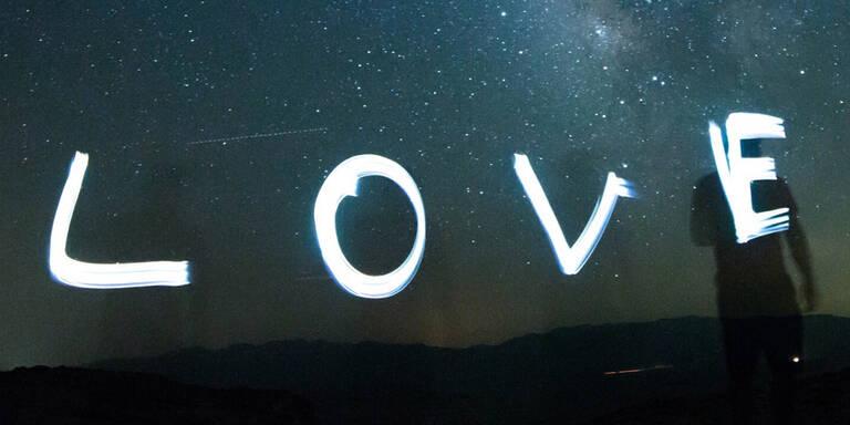 Winziges Liebesbekenntnis im All