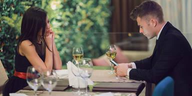 Dating Tops & Flops: Dieses Verhalten kommt gar nicht gut an!