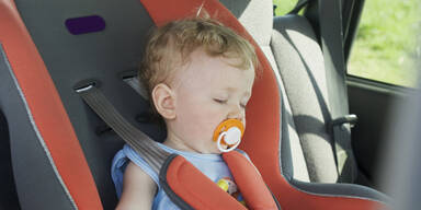 Baby in Auto