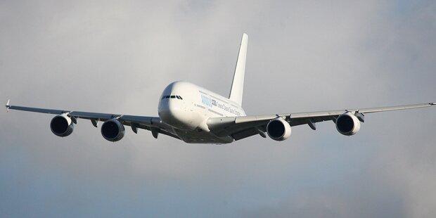 Baby wird im Flugzeug geboren und darf lebenslang gratis fliegen