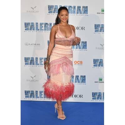 Rihanna: Dekolleté-Show am Red Carpet