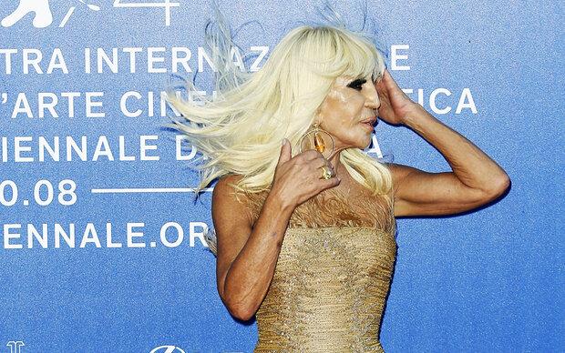 """Blonde Haare geben mir Kraft"""