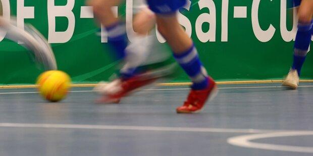 Massenschlägerei bei Hobby-Kick: Kieferbruch