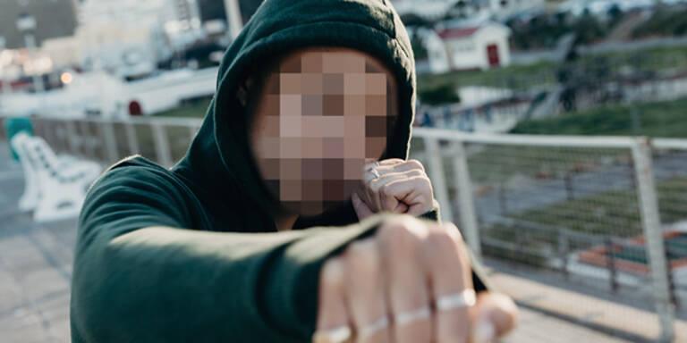20-köpfige Jugend-Gang überfiel Schwächere