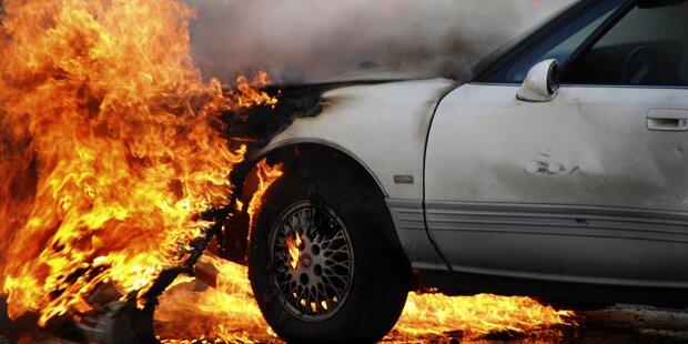 Burschen-Duo baute mit gestohlenem Auto Unfall