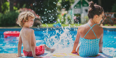 Sommer Pool Hitze Abkühlung Schwimmen Baden Schwimmbecken