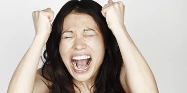 Frau wütend Wut Schrei Ausraster