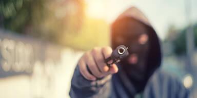 Angreifer Waffe Pistole Schießerei