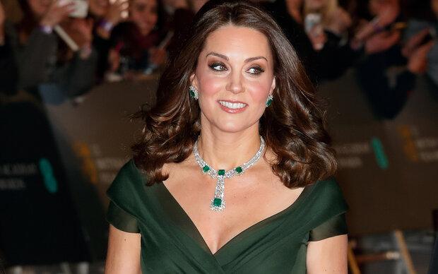 Herzogin Kate erntet Kritik für Kleid