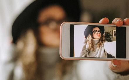 Zwischen neuer Selbstliebe & Selfiesucht