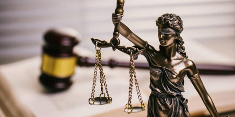 Prozess gegen drei Justizwachbeamte vertagt