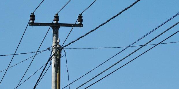 Masten gerammt: Drogenlenker sorgt für stundenlangen Stromausfall