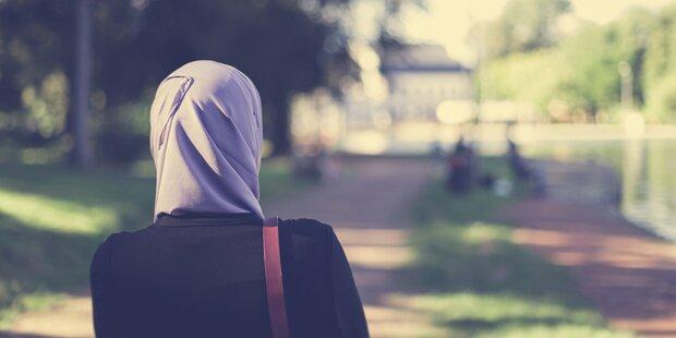 Teenager wurde angegriffen, weil sie Kopftuch trug
