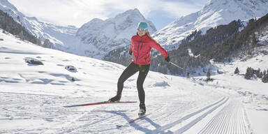 Langlauf Sport Wintersport Langläuferin