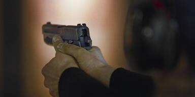Waffe Pistole Waffentraining Schusstraining
