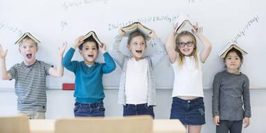 Schulkinder Schüler Schule
