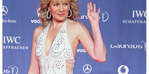 Kim Cattrall in Horror-Robe bei den Sports Awards