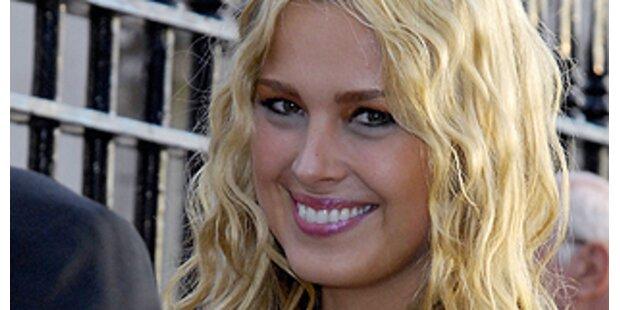 Blonde Models finden leichter Anschluss