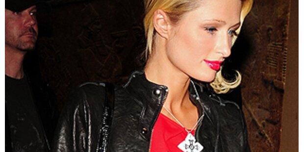 Paris Hilton kann über sich selbst lachen