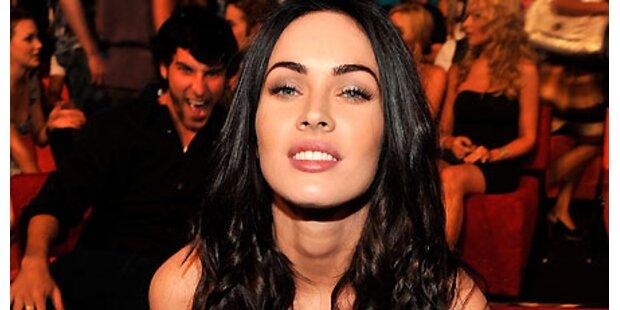 Megan Fox küsst lieber Frauen