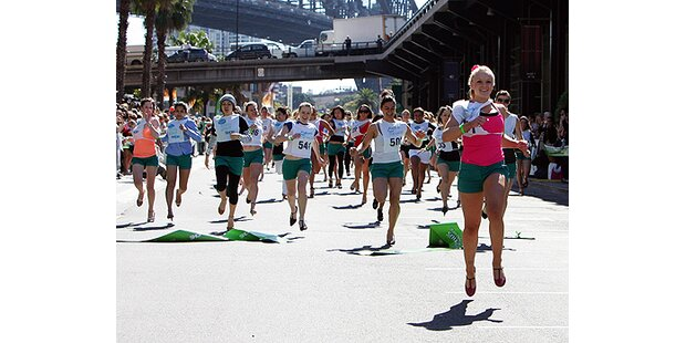 Sydney: Unfall beim High Heel-Rennen
