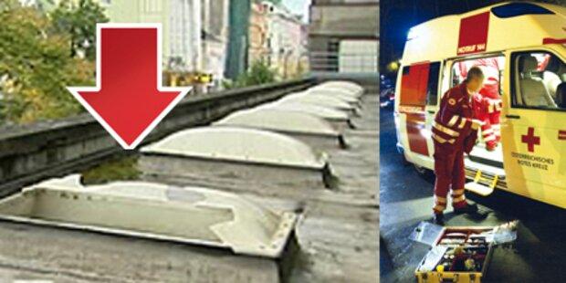 Mädchen stürzte durch Dachkuppel