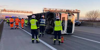 Gleich mehrere Crashs auf A2: Massives Stau-Chaos auf Südautobahn