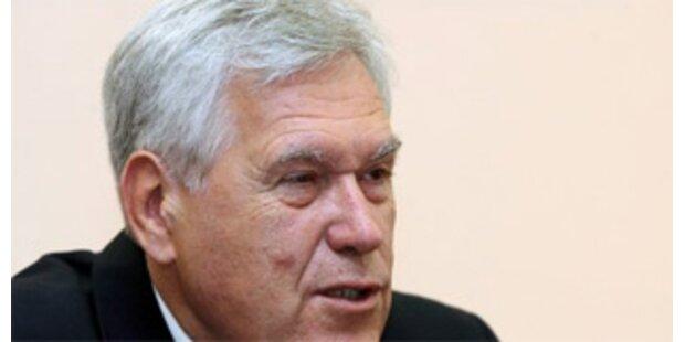 Rücktritt von Wirtschaftsminister Glos abgelehnt