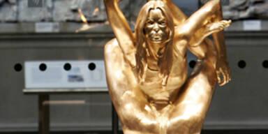 Goldene Kate Moss im British Museum enthüllt KON