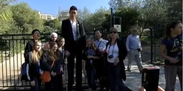 Größter Mann der Welt wächst nicht mehr