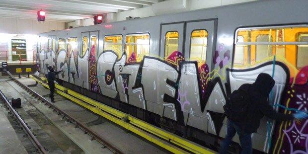 Sprayer- Krieg in U-Bahn