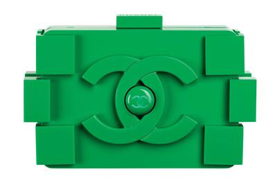 Green-plexiglas-clutch_Poch.jpg
