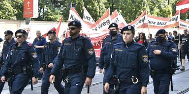 Mega-Polizeiaufgebot bei Corona-Demo in Wien