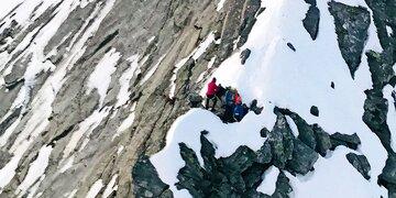 Ganze Nacht in Felswand verbracht: Turnschuh-Studenten aus Bergnot gerettet
