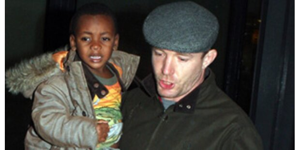 Madonnas 12 irre Bedingungen für Guy & seine Söhne