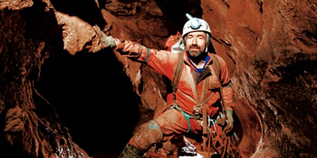 Österreichischer Arzt erreicht Höhlen-Forscher