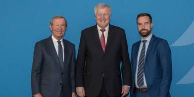 Minister Seehofer sagt dritte Spur zu